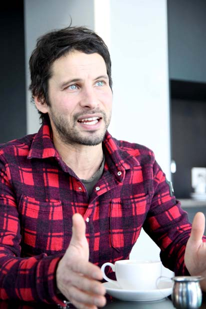 Sam Roberts is photographed by Angela Rose for marcandrew.ca ©marcandrew.ca