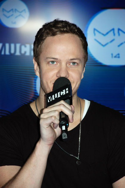 Dan Reynolds of Imagine Dragons backstage at the MuchMusic Video Awards ©marcandrew.ca