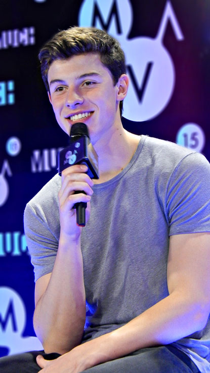 Shawn Mendes backstage at the MuchMusic Video Awards ©marcandrew.ca